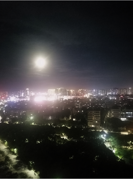 十六的月亮2.png